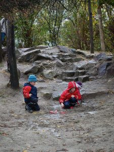 enfants-bottes-eau1